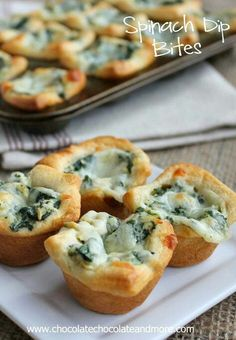 Spinach Dip Bites-perfect for any party! Made these for Xmas and they were yummy! I used standard muffin pans and will double the crust next time since I don't have minis! Still turned out great! Finger Food Appetizers, Appetizers For Party, Finger Foods, Appetizer Recipes, Christmas Appetizers, Delicious Appetizers, Quick Appetizers, Good Food, Yummy Food