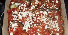 Τί πιάτο είναι αυτό?!!!! Πεντανόστιμο, συνδυάζει τη γλυκάδα της μελιτζάνας με τα αρώματα της ντομάτας και την πικάντικη γεύση της φέτα, πιά... Saute Onions, Mediterranean Recipes, Tomato Sauce, Eggplant, Feta, Yummy Food, Yummy Recipes, Banana Bread, Fries