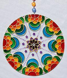 originalyexclusiva | MANDALAS Cd Wall Art, Acrylic Wall Art, Stained Glass Paint, Stained Glass Designs, Mandala Canvas, Mandala Art, Old Cd Crafts, Cd Diy, Glass Painting Designs