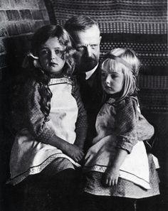 Jean Sibelius and his daughters, Heidi and Margareta