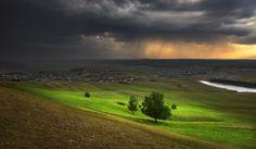 Где-то там идёт дождь... by Alexander Sysuev on 500px