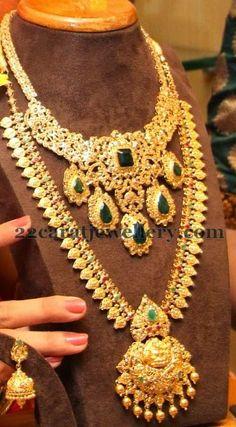 Jewellery Designs: Manepally's Gold Set and Emeralds Choker