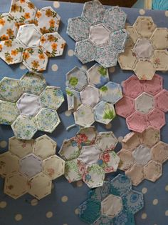 Hexagons www.francine-patchworkandlace.blogspot.com