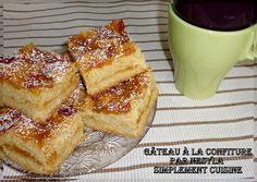 Salam alikoum, Bonjour, Un gâteau qui ressemble beaucoup au m'darbel, ou le typique gâteau maajoun connu en Algérie. La différence avec celui là c'est que la confiture n'y est pas seulement au dessus du gâteau, sinon au milieu aussi! aha! Un vrai délice... Biscuits, French Toast, Breakfast, Russian Cakes, Original Recipe, Vegetarian Dish, Middle, Crack Crackers, Morning Coffee