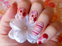 Rose nail wraps from #Jamberry #MothersDay gift set courtesy of @seeingdandy bloomed on my nails for #ManicureMonday!