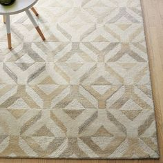 Marquis Wool Rug by West Elm Pure Beauty: Undyed Wool in the Contemporary Home West Elm Rug, Rug Size Guide, Modern Area Rugs, Geometric Rug, Natural Rug, Contemporary Rugs, Room Rugs, Rugs In Living Room, Rugs On Carpet