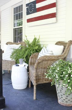 Patriotic Porch Ideas - Fourth of July Porches - Front Porch Decorating by Rooms for Rent Porch Styles, Summer Porch, Country Chic Cottage, Rooms For Rent, Elegant Home Decor, Cozy Corner, Cottage Design, Home Decor Inspiration, Decor Ideas