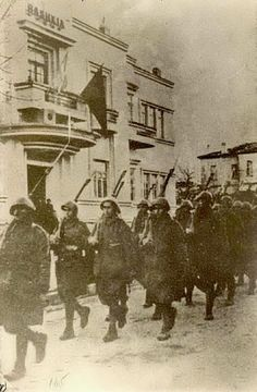 the balkan conflict greek troops in Albania nov 1940 Churchill, Hellenic Army, Greece History, Western Philosophy, Greek Warrior, In Ancient Times, Athens Greece, Ancient Greece, Military History