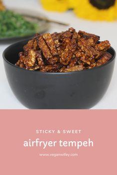 Tempeh uit de airfryer - Veganwifey.com Tempeh, Tofu, Jackfruit Recipes, Gado Gado, Ketchup, Beef, Salad, Meat, Steak