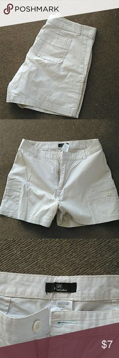 BOGO Lee Khaki shorts Size 12p Lee brand khaki shorts in really nice shape only wore a couple times, this is one of my BOGO so find another item marked the same and bundle the 2 for the same price..ty for stopping by my closet have a great day                   ⭐ Bundle and save                    ⭐ 15% off 3 purchased items Lee Shorts Cargos