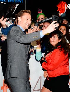 Tom Hiddleston with fans at TIFF 2015. Source: Torrilla