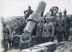 German artillerymen and a 30.5 cm heavy mortar in Chazelles-sur-Albe, France.