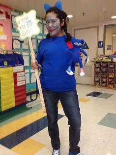 Pete the Cat costume Teacher Costumes, Cat Costumes, Halloween Costumes, Halloween Ideas, Storybook Character Costumes, Storybook Characters, Autumn Activities, Book Activities, Pete The Cat Costume