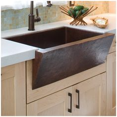 "Native Trails, Inc. 33"" x 22"" Zuma Hand Hammered Farmhouse Kitchen Sink"