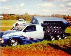 How about 3 axles! #lowrider #minitruckcomeback #minitruck #oldschoolminitruck #nissanminitruck #hardbody #Nissan #8wheel #tiltbed #bumps