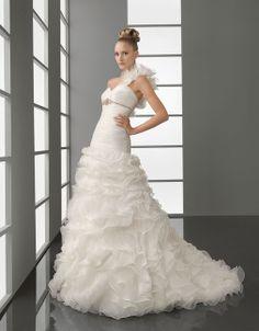 Fashionable one shoulder natural waist organza wedding dress