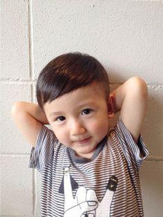 個性派くん♪ヘアスタイルの参考に。子供の髪型のカットやアレンジのアイデア。