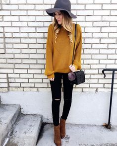 Love this outfit with a golden yellow sweater Mustard Sweater Outfit, Yellow Cardigan Outfits, Mustard Yellow Outfit, Mustard Yellow Sweater, Winter Sweater Outfits, Fall Outfits, Casual Outfits, Cardigan Sweater Outfit, Yellow Outfits