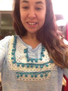 Minipompones por siempre! Creación con crochet, cinta gruesa y nuestros favoritos los mini pompones!