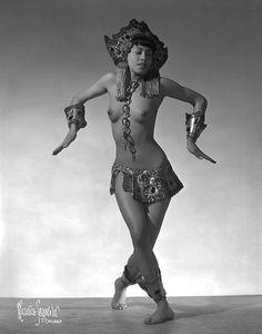 "gmgallery:  Sen Lee Fu aka. ""The Polynesian Beauty"".."