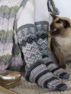 knit socks wool socks knitted socks Scandinavian pattern Norwegian socks Christmas socks gift to man. gift to woman men socks Women socks. by WoolMagicShop on Etsy Knitting Charts, Knitting Socks, Hand Knitting, Knitting Patterns, Mitten Gloves, Mittens, Scandinavian Pattern, Wool Socks, Fair Isle Knitting