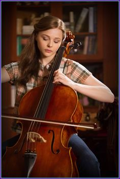 Beautiful Chloe Grace Moretz in the movie If I Stay