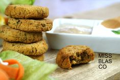 Falafel al horno fácil Cookies, Desserts, Food, Bread, Baked Falafel Recipe, Beet Hummus, Legumes, Cooking, Healthy Appetizers