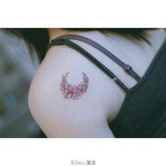Floral crescent moon tattoo by Seoeon Unique Tattoos, Cute Tattoos, Tattoos For Guys, Flower Tattoos, Tattoo Studio, Lines Tattoo, Blackwork, Korean Tattoo Artist, Korean Tattoos
