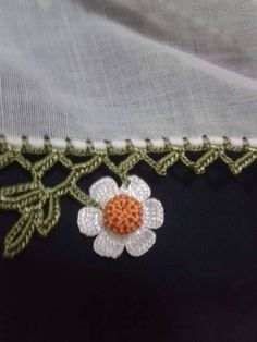 This post was discovered by Beste Uzun. Discover (and save!) your own Posts on Unirazi. Crochet Edging Patterns, Border Pattern, Crochet Designs, Crochet Stitches, Lace Bunting, Saree Kuchu Designs, Saree Tassels, Crochet Flowers, Hair Pins