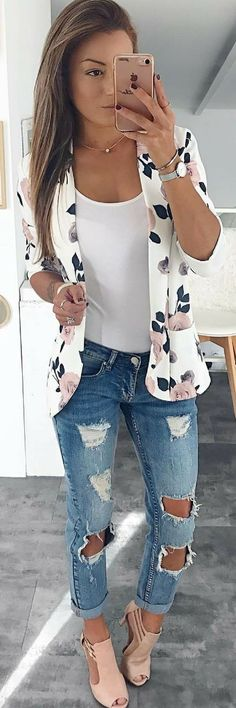 32 Fabulous Outfit Ideas To Wear This Fall! #falloutfits #outfitideas #womensfashion #ootd Lookoftheday