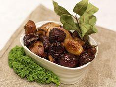 Ernsts glaserade kastanjer och lök till julskinkan | Recept.nu Fruit, Beef, Food, Blackberry, Christmas, Meat, Yule, Blackberries, Navidad