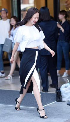Song Ji Hyo at VIDI VICI fan sign event