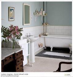 halvkaklat badrum - Sök på Google Family Bathroom, Small Bathroom, Victorian Bathroom, Swedish Design, Bathroom Inspo, Dream Bathrooms, Clawfoot Bathtub, Interior Design Inspiration, New England