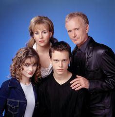 Lucky (Jonathan Jackson) found Elizabeth (Rebecca Herbst) raped in the park, and when he learned that Luke (Anthony Geary) had raped Laura, Lucky became estranged from the family. 1990s #GH50 #GH