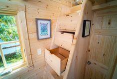 Casa mobile su ruote in legno 32