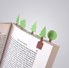 Diminutos marcapáginas de papel para crear mundos en miniatura en tus libros