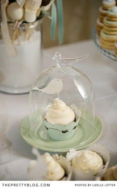 Individual cupcakes | Photography: Lizelle Lotter, Dessert: Love Life Cupcakes by lllllol