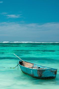 celiabasto: beach boat, turquoise waters