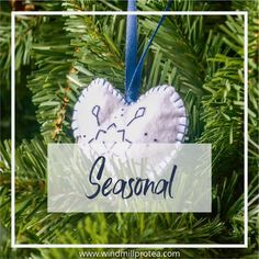Felt Christmas Ornaments are so easy to make and do not take a lot of time. Cut your felt in the shape you wish to make your ornaments. Easy Christmas Decorations, Felt Christmas Ornaments, Christmas Wreaths, Holiday Decor, Snowflake Shape, Snowflake Pattern, Miniature Christmas Trees, Felt Garland, Felt Diy