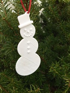 Create your own ornaments, like this cute little snowman, with the Dremel Idea Builder 3D Printer!