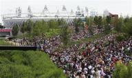 8月2日、多額の資金が必要になる五輪は赤字になることが多いが、ロンドン五輪組織委員会(LOCOG)には、この「五輪の呪い」を断ち切る自信があるようだ。写真はストラトフォードのオリンピックパーク(2012年 ロイター/Olivia Harris)