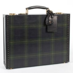 Once again, Ralph Lauren rocks the tartan look - this time with a luggage collection. Love this leather briefcase! Scottish Plaid, Scottish Tartans, Scottish Kilts, Tartan Fashion, Ralph Lauren, Leather Luggage, Leather Briefcase, Toxic Vision, Tweed