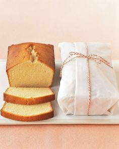 Cream Cheese Pound Cakes - makes 2 loaves, perfect for summer fruit with freshly whipped cream (Cake Recipes Fruit) Baking Packaging, Bread Packaging, Dessert Packaging, Cream Cheese Pound Cake, Cream Cheese Recipes, Cream Cheeses, Cream Cake, Pound Cake Recipes, Pound Cakes