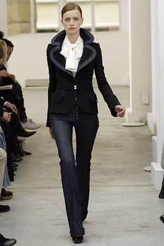 Balenciaga Fall 2005 Ready-to-Wear Fashion Show - Anne Catherine Lacroix (Elite)