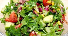 Balzsamos vegyes saláta recept: Ez a balzsamos vegyes saláta recept jól jön, ha valami gyors és finom salátát szeretnénk készíteni. Jól variálható, bármilyen zöldséggel elkészíthető. Sült vagy rántott húsok mellé, de akár önálló fogásként is megállja a helyét. Nálunk nagy kedvenc. :) Veggie Recipes, Salad Recipes, Mozzarella Salad, Russian Recipes, Seaweed Salad, Paleo Diet, Potato Salad, Healthy Living, Clean Eating