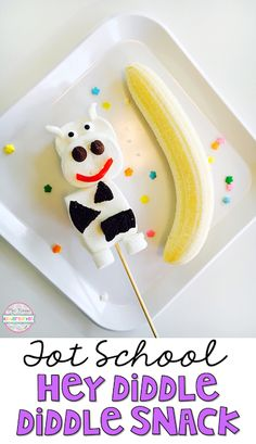 This adorable snack pairs perfectly with the nursery rhyme Hey Diddle Diddle. Great for tot school, preschool, or the kindergarten classroom.