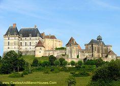 Château de Biron, Biron, Dordogne, France - www.castlesandmanorhouses.com