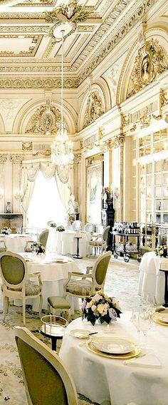Hotel de Monte Carlo.
