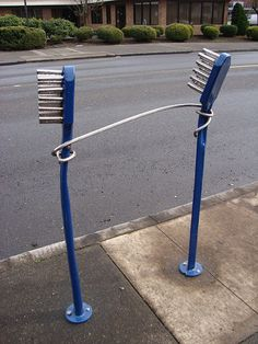 Bicycle rack outside a dental office. Urban Furniture, Street Furniture, Cheap Furniture, Furniture Stores, Furniture Outlet, Dental Art, Dental Hygiene, Dental Office Design, Dental Offices