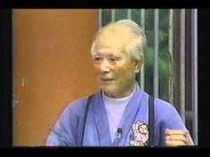 Maître Uehara Seikichi 上原 清吉 先生 - YouTube
